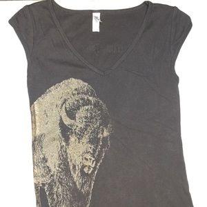 Tops - Cute buffalo trace shirt